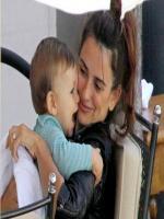 Penelope Cruz with son