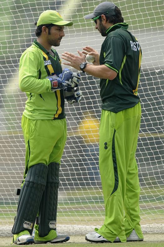 Sarfraz Ahmed With Shahid Afradi