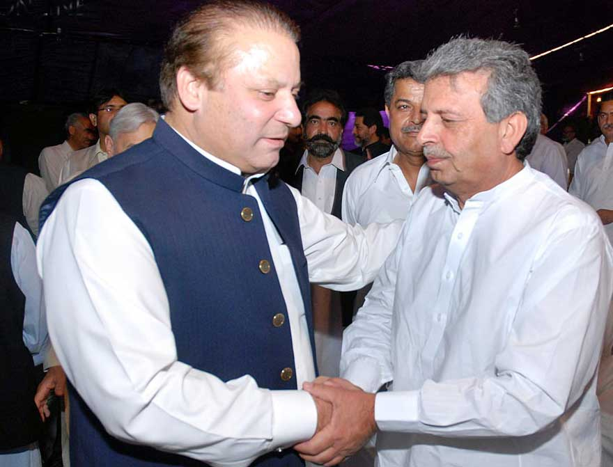 Rana Tanveer Hussain with Prime Minister