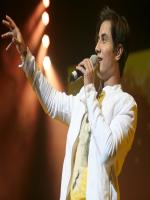 Ali Zafar Stage Performance