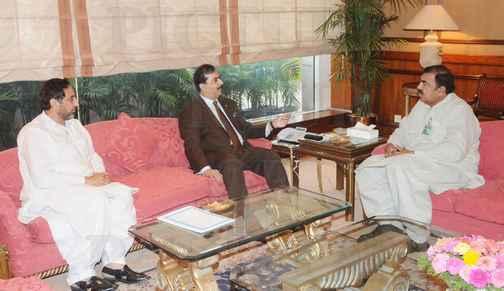Dewan Ashiq Hussain Bukhari with Gillani