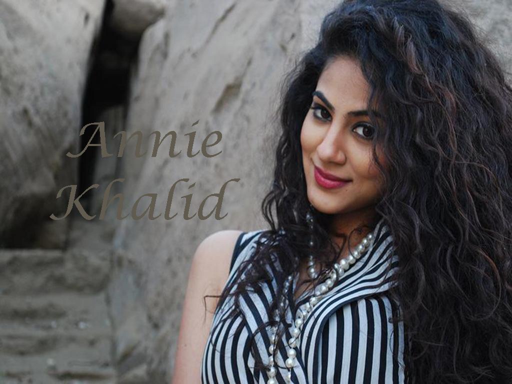 Annie Khalid Modelling