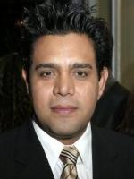 Raul Julia-Levy