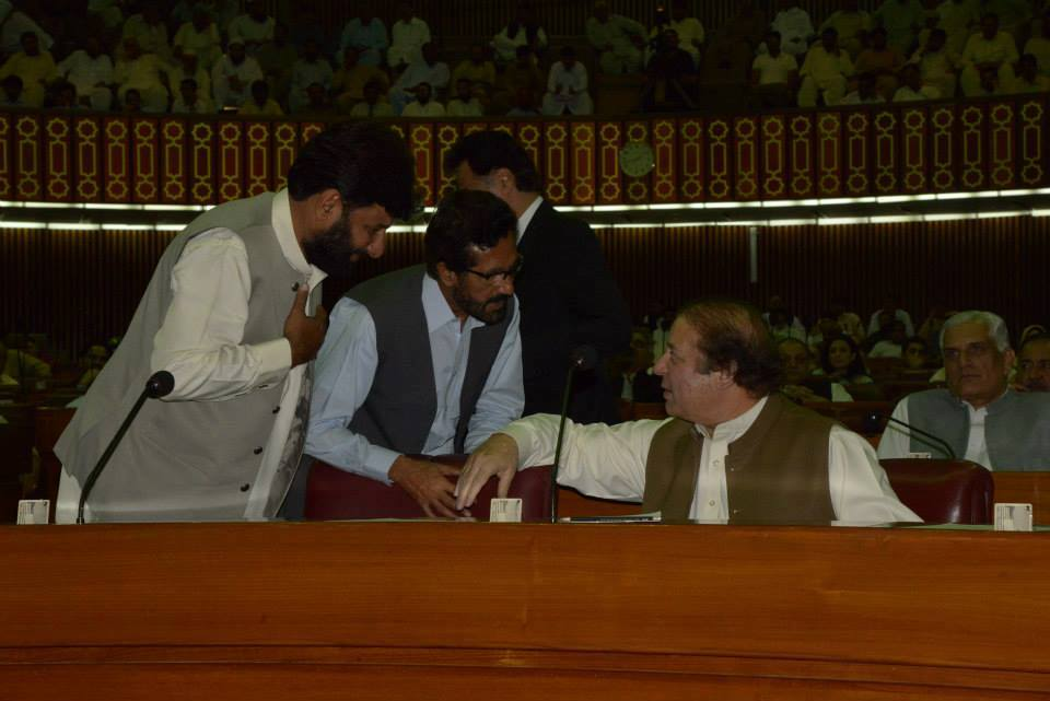 Sahibzada Faiz Ul Hassan with PM