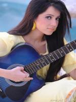Rabi Peerzada Singer