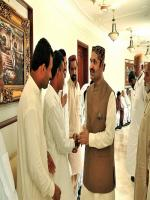 Ali Gohar Khan Mahar with Party members