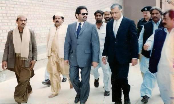 Sardar Ali Muhammad Khan Mahar with Shaukat Aziz