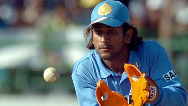 MS Dhoni Keeping Style