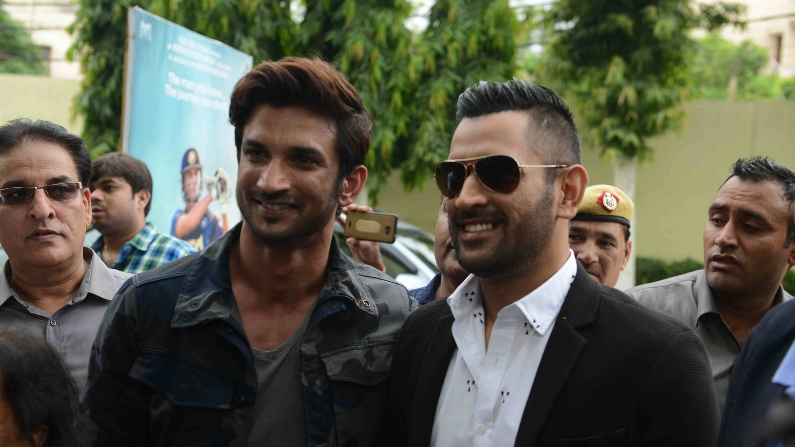 """The captain cool MS Dhoni with the onscreen """"Dhoni"""" Sushant Singh"""