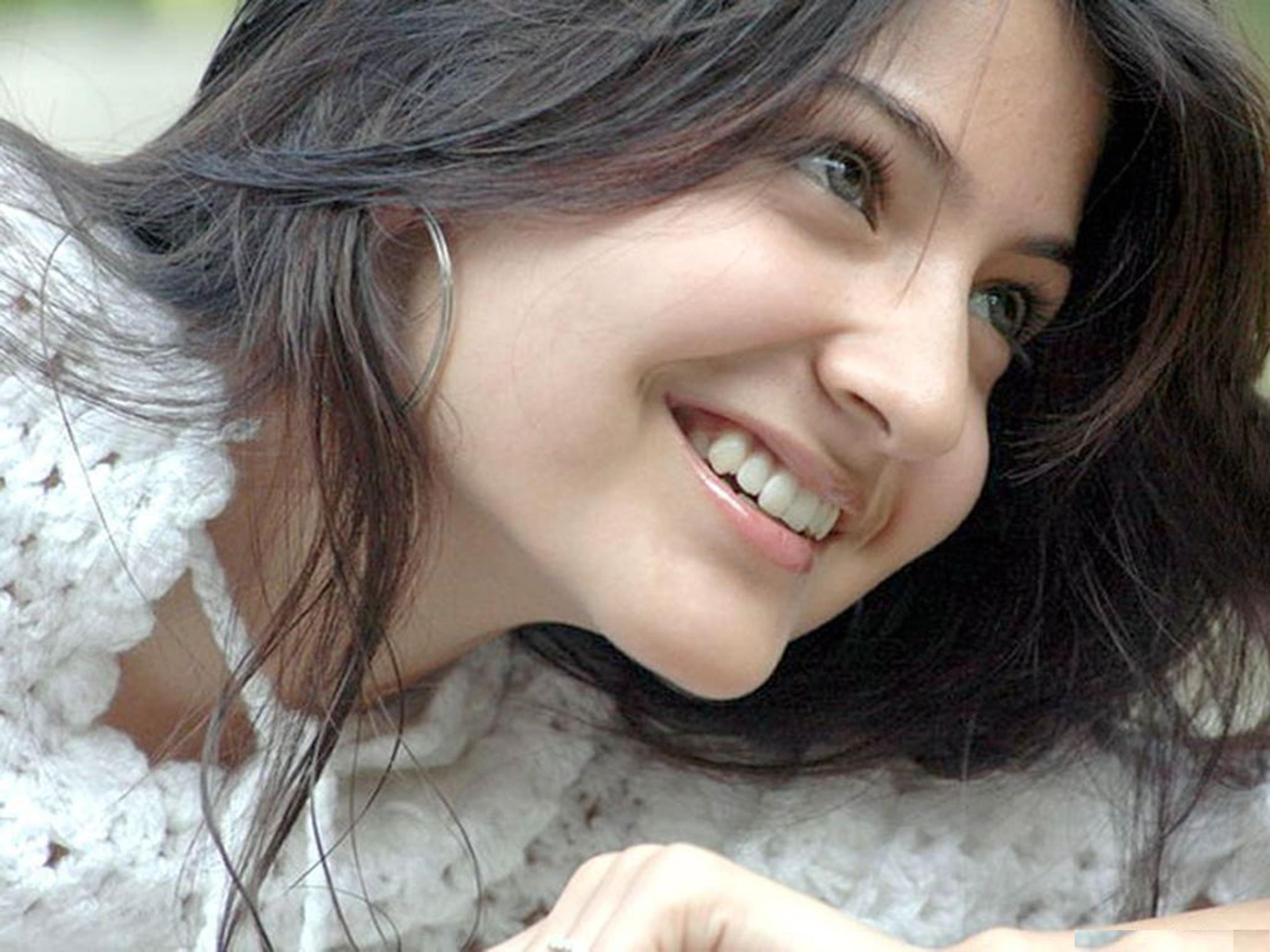 Anushka Sharma HD Wallpaper