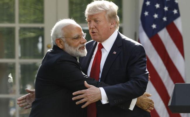 Trump Hug Narendra Modi