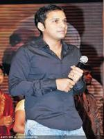 Karthik performing at Show