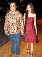 Kunal Ganjawala with wife Gaytri Iyer