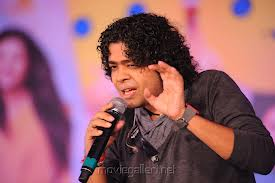 Naresh Iyer performing