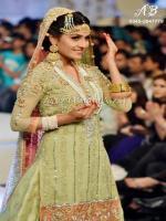 Ayeza Khan at Bridal couture week 2013