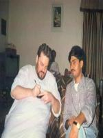 Nitin Mukesh giving autograpah