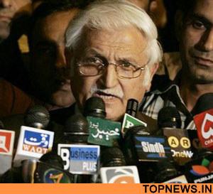 Farhatullah Babar Talks to Media
