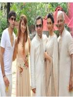 Deepika Padukone Group Pic