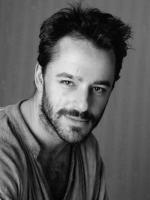 Gil Bellows in Kill Kill Faster Faster