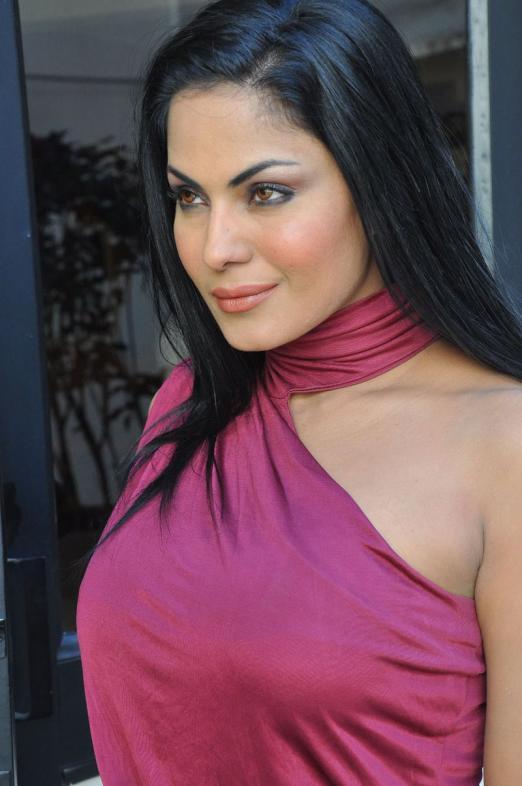 Veena Malik in modeling