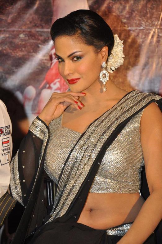 Veena Malik While shooting
