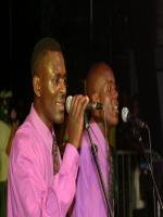 Simon Chimbetu Singing Picture