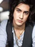 Avan Jogia Photo