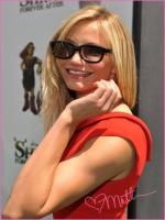 Cameron Diaz with glasses