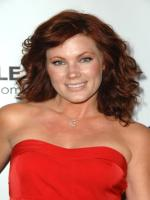 Elisa Donovan in Loving Jezebel