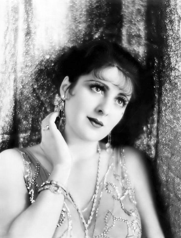 Billie Dove in Get-Rich-Quick Wallingford