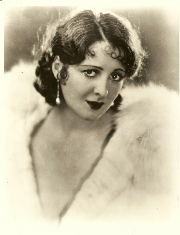 Billie Dove in Polly of the Follies