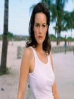 Carla Gugino in Karen Sisco