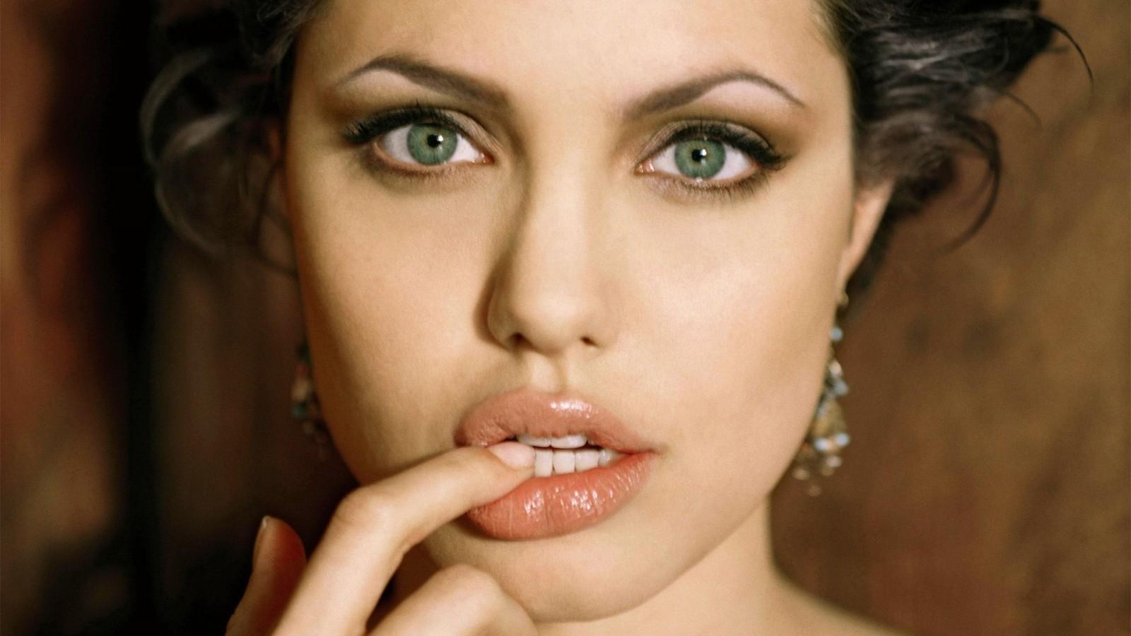 Angelina Jolie HD photo Shot
