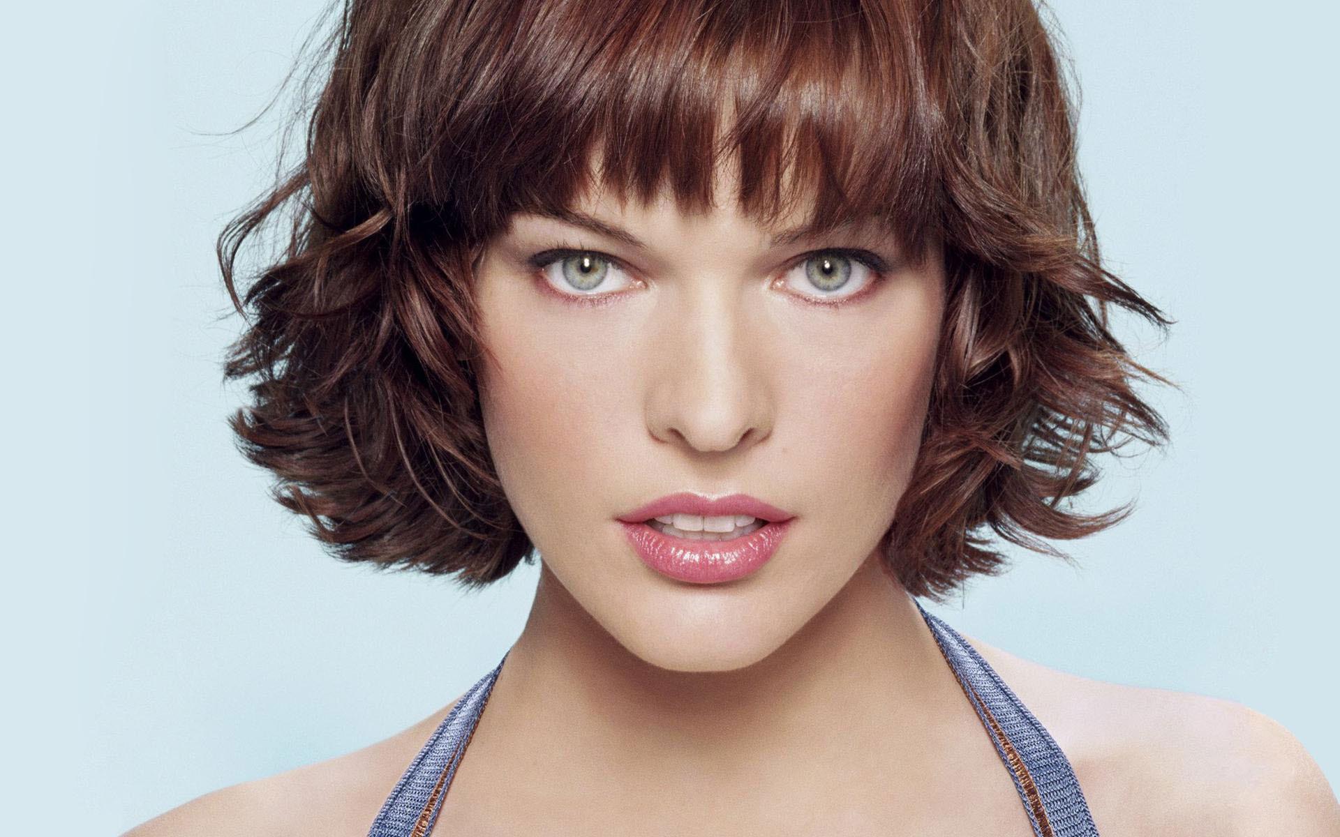 Milla Jovovich in  The Fifth Element