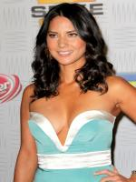 Olivia Munn in Perfect Couples