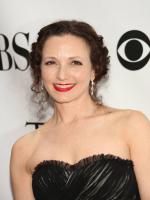 Bebe Neuwirth in Liberty Heights