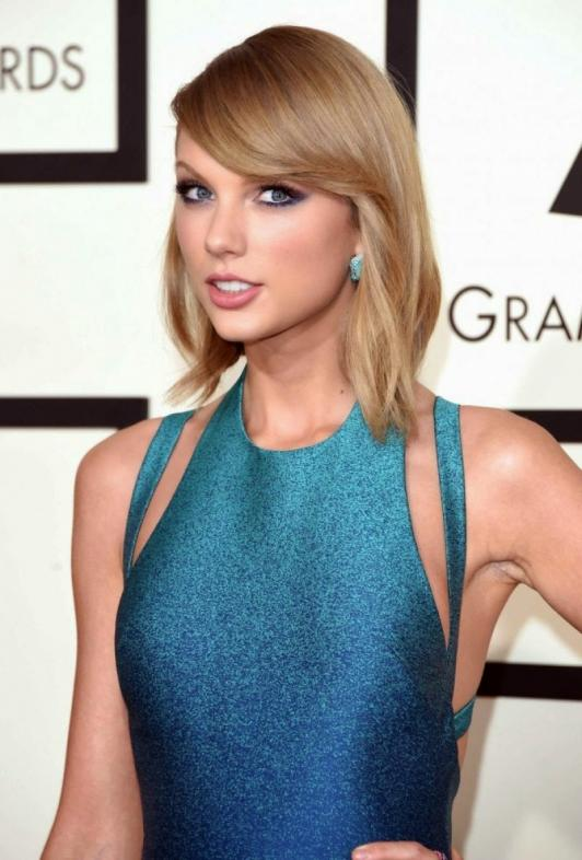 Taylor Swift In Blue Dress