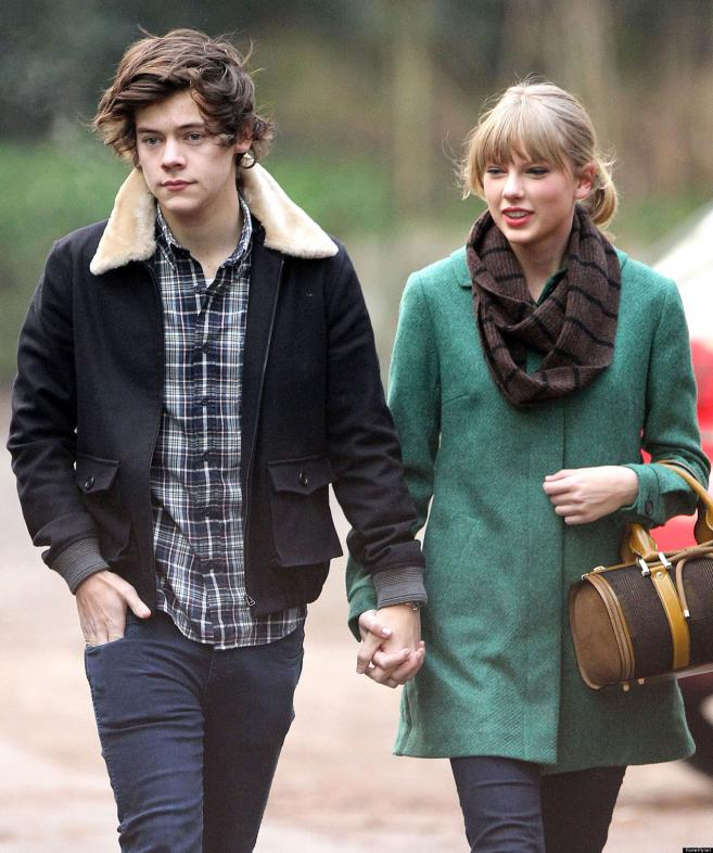 Taylor Swift with HArry while walking