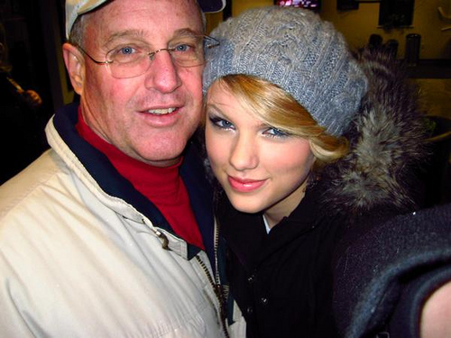 Taylor Swift with her father