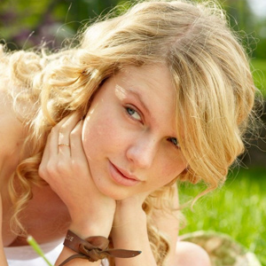 Taylor Swift wiithout makeup