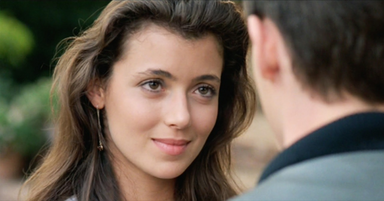 Mia Sara Film SHooting