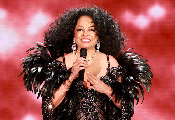 Diana Ross singing picture