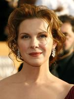 Elizabeth Perkins Wallpaper