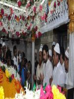 Emraan Hashmi Visits Mahim Dargah