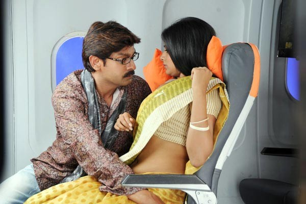jagapati babu and priy...