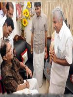 Jagathy Sreekumar with CM Oomen Chanday