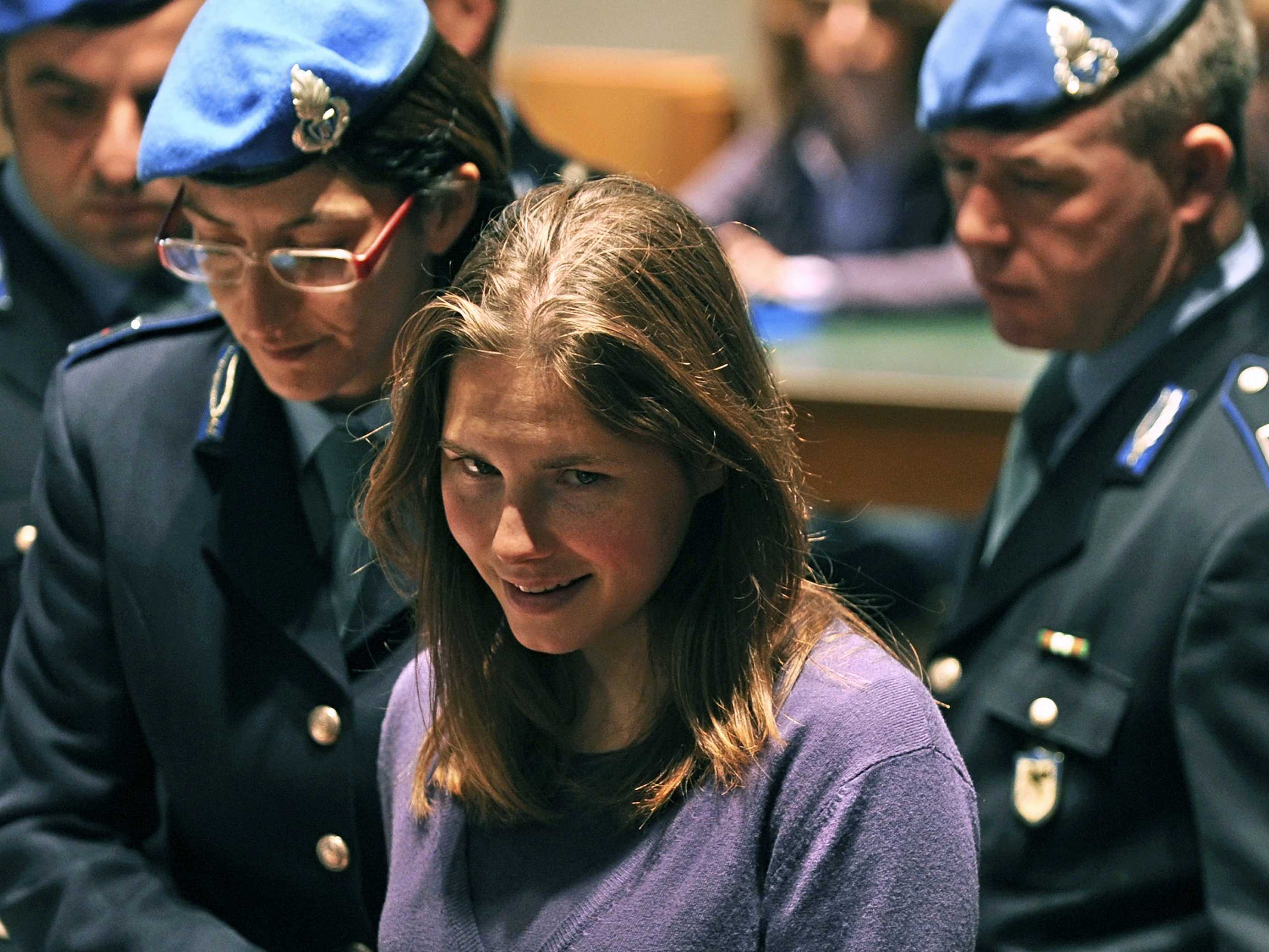 Amanda Knox way to court