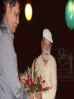 Lekh Tandon Reciving Flowes