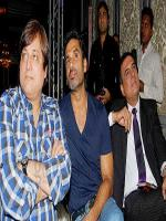 Manoj Joshi with other Actors