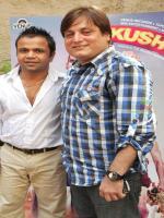 Rajpal Yadav With Manoj Joshi